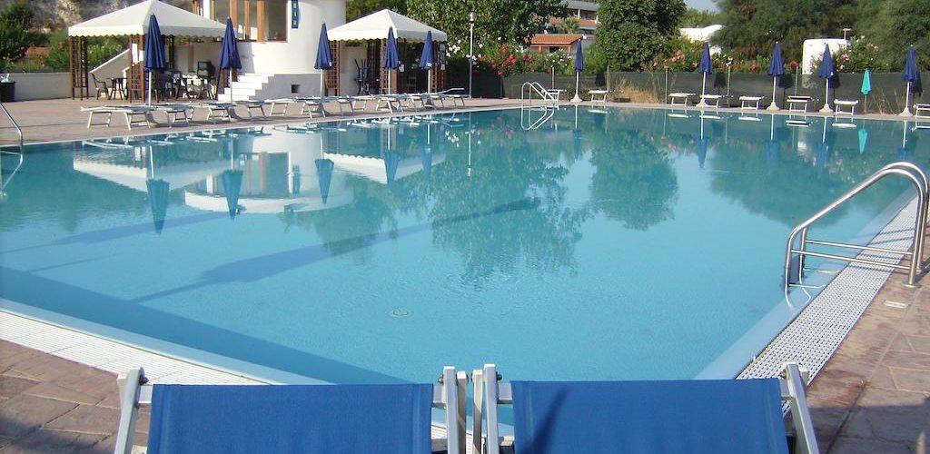 Villaggio Alga Blu - Piscina01
